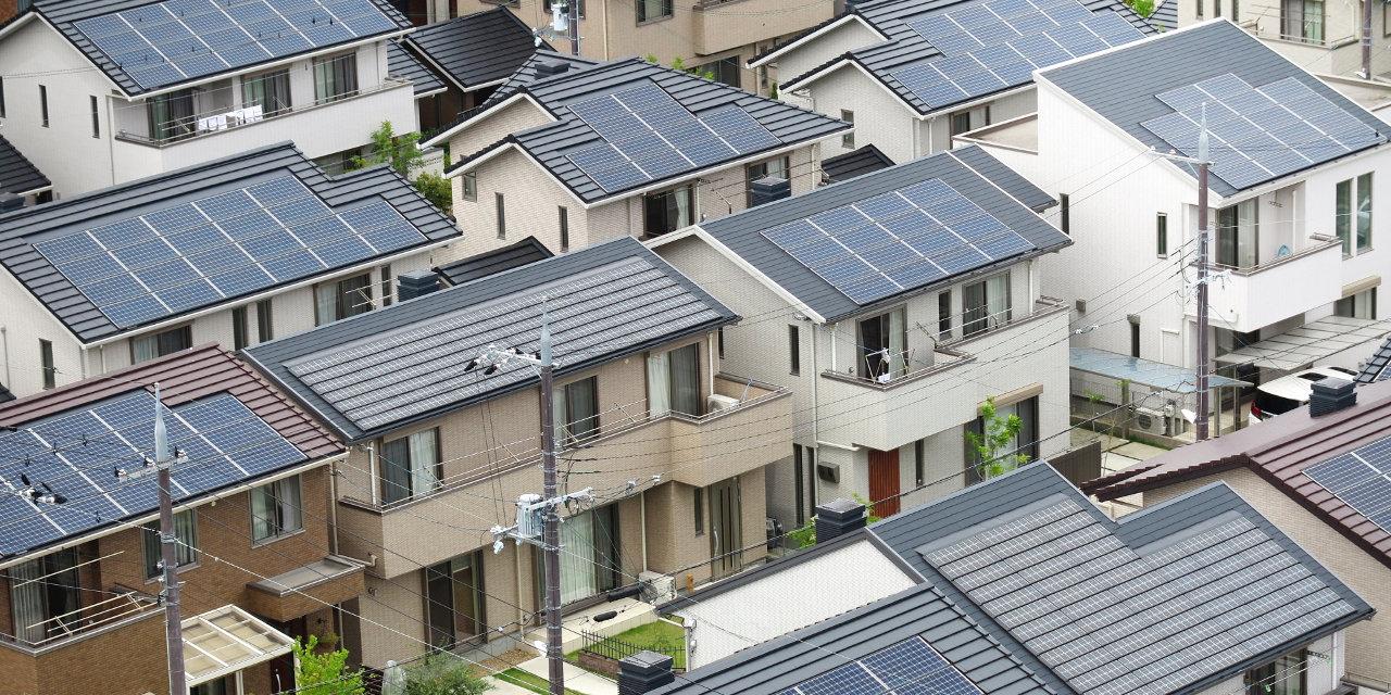 家庭用太陽光発電のソーラーパネル