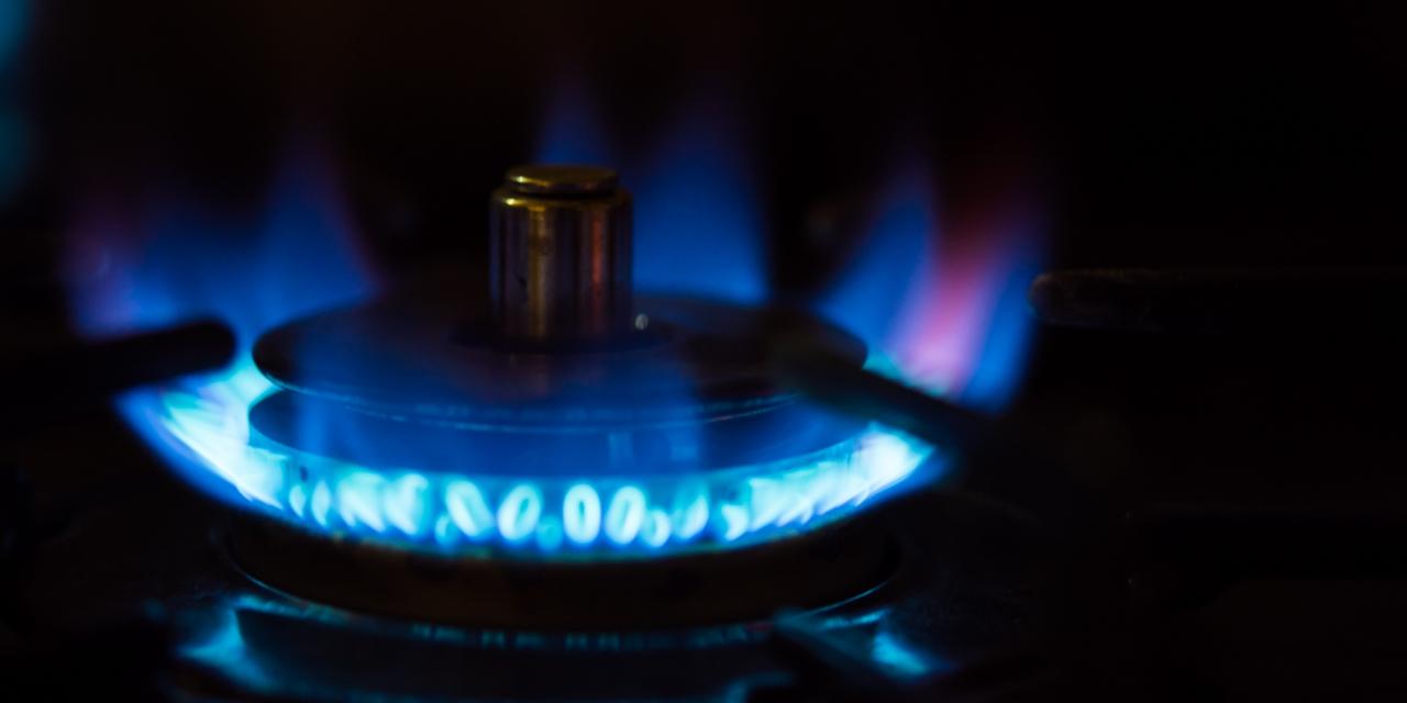 プロパンガス燃料の暖かい炎